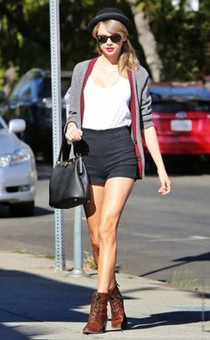 5. Hipster Chic - 7 Fab Street Style Looks from Taylor Swift to Recreate This Spring ... → Streetstyle