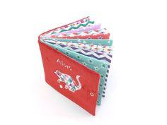 Album photo tissu personnalisé couverture rouge tissus | Etsy Album Photo, Container, Etsy, Perms, Cloud Cushion, Fabrics, Red