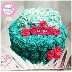 Rosecake pinksugar #pinksugar #cupcakes  #homemade  #casero  #barranquilla #pasteleria #reposteriacreativa #tortas #fondant #reposteriabarranquilla #happybirthday  #cake #baking  #galletas #cookies  #pinksugar #buttercream #vainilla #oreo #rosecake