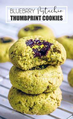 Blueberry Pistachio & Cardamom Thumbprint Cookies If you're looking for a really easy recipe to make, then these blueberry pistachio thumbprint cookies are for you! They're simple, fun to make and so pretty to look… Healthy Cookie Recipes, Healthy Cookies, Healthy Treats, Gourmet Recipes, Dessert Recipes, Cooking Recipes, Cookies Vegan, Protein Cookies, Cookies Kids