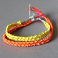 DIY - Fancy Bracelets in neon, easy to do, tutorial in German.