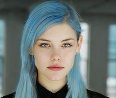 I love blue hair Blue Green Hair, Hair Color Blue, Colored Hair, Pelo Color Azul, 50s Hairstyles, Bow, Pastel Hair, Mermaid Hair, Dream Hair