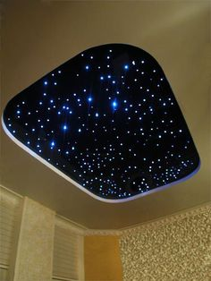 Home theaters ceiling Sternenhimmel - hometheaters Home Theater Room Design, Home Theater Rooms, House Ceiling Design, Bedroom False Ceiling Design, Ceiling Chandelier, Ceiling Lights, Sky Ceiling, Starry Ceiling, Door Gate Design