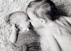 Newborn sibling photo, nose kisses, black and white newborn image Amy Ro photography