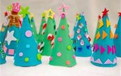 Toddler Christmas Crafts - Use the sticker kind of cutouts to decorate the tree