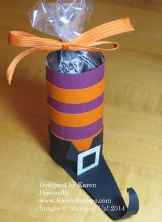 Witch's Boot Candy Treat The Halloween Witch's Boot Candy Treat is made starting with a paper towel or toilet paper roll!The Halloween Witch's Boot Candy Treat is made starting with a paper towel or toilet paper roll! Dulceros Halloween, Bonbon Halloween, Halloween Favors, Spooky Halloween Decorations, Halloween Crafts For Kids, Holidays Halloween, Kids Crafts, Witch Boots, Manualidades Halloween