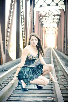 Senior pictures : Seee @Christine Ballisty Lambert the pretty dress you're gunna buy me will be in these pictures tooo. ;)