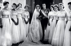 Noblesse & Royautés » Archives : Wedding of Princess Sophie of Greece and Prince Juan Carlos of Spain 1962 (Now King and Queen of Spain) and the royal bridesmaids:  Princess Alexandra of Kent, Princess Tatiana Radziwell, Princess Benedikte of Denmark, Princess Irene of Greece, Princess Anne-Marie of Denmark,  Princess Anne of France, Princess Pilar of Spain