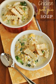 """""""Chicken Pot Pie Soup recipe: a delicious soup that is on your table in 30 minutes!"""" -- This is sort of chicken-pot-pie-meets-broccoli-cheddar soup; Uses packaged pie dough for a short-cut. Think Food, I Love Food, Soup Recipes, Cooking Recipes, Healthy Recipes, Cooking Tips, Drink Recipes, Delicious Recipes, Recipies"""