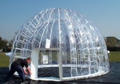 Inflatable transparent tent, you can enjoy the sunshine indirectly.