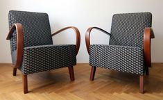 (EN) Sourcing, restoring and selling retro chairs from the to the Outdoor Chairs, Outdoor Furniture, Bamboo Chairs, Diy Chair, Upholstered Furniture, Home Textile, Furniture Design, Upholstery, Art Deco