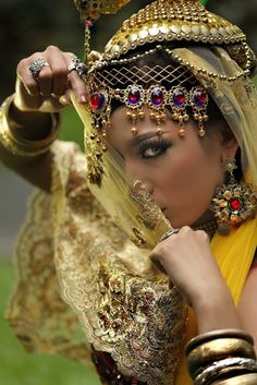 Pakistani woman, dress up