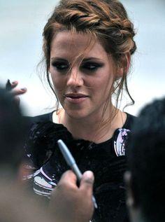 Celebrity Kristen Stewart Hairstyles in Summer 2012