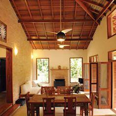 Salones de estilo colonial de RAC ARQUITETURA