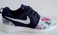 Natural and Freely Nike Roshe Run Floral 2015 Womens Flower Navy