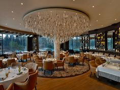 Il Lago, St. Petersburg, with an ICE International hand tufted area rug in the main dining room