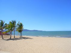 The Strand - Townsville, via Flickr.