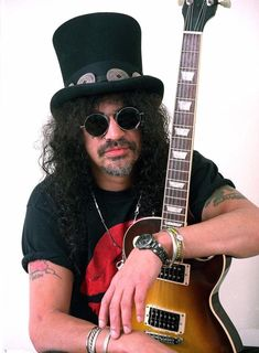 A fan page for Slash and Guns N Roses Welcome To The Jungle, Guns N Roses, Music, Musica, Musik, Muziek, Music Activities, Songs