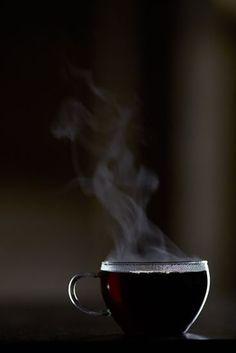#Coffee Parece afectar a un número de neurotransmisores relacionados con el control de estado de ánimo, por lo que beber una taza de la mañana podría tener un efecto sobre su sensación general de bienestar.  Café desencadena un mecanismo en el cerebro que libera BDNF, que activa las células madre del cerebro para convertir en nuevas neuronas.  Curiosamente, la investigación también sugiere que los bajos niveles de BDNF pueden jugar un papel significativo en la depresión, y que el aumento de…