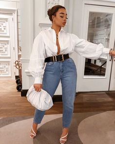 Classy Outfits, Chic Outfits, Trendy Outfits, Fashion Outfits, Fashion Styles, Fashion Trends, White Shirt Outfits, White Shirt And Jeans, Outfit Jeans