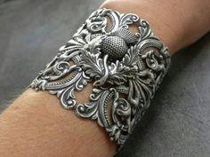 . O die for Scottish bracelet.