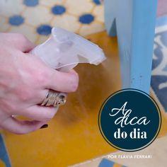 Receita de repelente de xixi de cachorro para fazer em casa (DIY) | para mais dicas, clique na #aDicadoDia com Flávia Ferrari