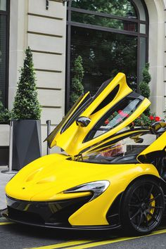 The McLaren held the world record for the fastest production car in the world for many years. The car was first produced in 1992 and still looks great today. Mclaren Cars, Mclaren P1, New Model Car, Super Fast Cars, Ferrari, Sweet Cars, Expensive Cars, Amazing Cars, Awesome