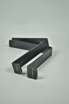 "Metal brackets with 1.5"" lip, perfect for shelving brackets. Bookshelves and Kitchen shelves"