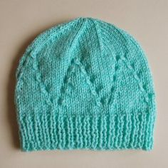 Free knitting pattern for this Sophisticated Baby Hat