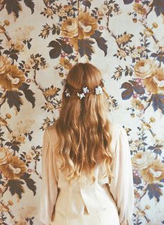 floral wallpaper and crown