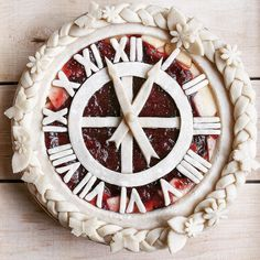 Time to bake. Apple pie with strawberry and basil and a decorated clock dial and… Time to bake. Apple pie with strawberry and basil and a decorated clock dial and numerals crust Creative Pie Crust, Beautiful Pie Crusts, Apple Pie Crust, Pie Crust Designs, Pie Decoration, Pies Art, My Pie, Pastry Art, Homemade Taco Seasoning