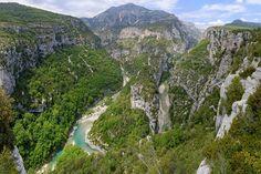 Steile Felswände und Seen mit Karibik-Flair: Die Schlucht von Verdon in der französischen Provence ist mehr als nur einer der größten Canyons Europas.