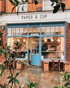 Outdoor Design shop fronts My Little World ✿ Design Shop, Café Design, Coffee Shop Design, Design Hotel, Small Coffee Shop, Brewery Interior, Cafe Interior Design, Boutique Interior, Cozy Cafe Interior