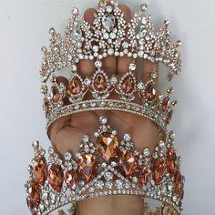Royal Crowns, Tiaras And Crowns, Royal Tiaras, Fantasy Jewelry, Gothic Jewelry, Headpiece Jewelry, Bridal Jewelry, Head Accessories, Wedding Accessories