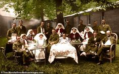 Group of recuperating officers from Irish Regiments Nurses from Queen Alexandra's Imperial Nursing Service (red capes) and Territorial Force Nursing Service (grey trimmed red capes). Ww1 Soldiers, Canadian Soldiers, British Soldier, Wwi, Ww1 History, Women In History, World History, World War One, The Real World