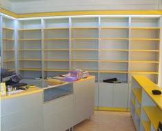LIBRERIA PARA COPISTERIA librerias Jewelry Store Design, Clothing Store Design, Supermarket Design, Retail Store Design, Shop Shelving, Showroom Interior Design, Store Layout, Store Interiors, Shelf Design