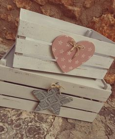 Cajoncitos Wooden Crates, Wooden Diy, Diy Birthday Gifts For Him, Wood Crafts, Diy And Crafts, Craft Projects, Projects To Try, Decoupage Vintage, Wood Boxes