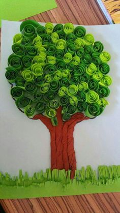 How to make DIY paper tree? - Do you enjoy doing different things or making things that attracts you by yourself. If yes then have you ever tried making a paper tree? Preschool Crafts, Diy And Crafts, Crafts For Kids, Family Crafts, Bulletin Board Tree, Earth Day Crafts, Art N Craft, School Decorations, Spring Art