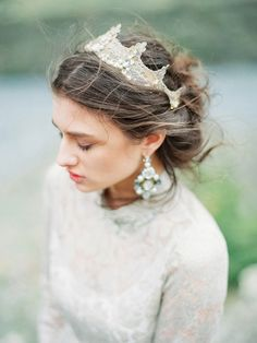 Gold crown by Enze - Regal bridal shoot in the Georgian Mountains by Murier Sauvage (Concept), Valerie Sorokina (Styling), Tamara Gigola Workshop + Olga Plakitina (Photography) - via Magnolia Rouge