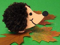 Home / Celebrations & Seasons / Autumn / Halloween / Idea for autumn: I . - Home / Celebrations & Seasons / Autumn / Halloween / Idea for autumn: hedgehog made of cardboard an - Fall Crafts, Halloween Crafts, Decor Crafts, Halloween Decorations, Diy And Crafts, Arts And Crafts, Paper Crafts, Little Girl Crafts, Crafts For Girls
