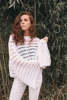 Discover thousands of images about Spring whites Lace Camisole Top, Crochet Jacket, Crochet Woman, Lingerie, Black White Fashion, Knitting For Beginners, Crochet Fashion, Beautiful Crochet, Crochet Designs