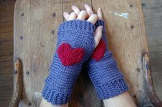 a case of the mundays: tues-DIY: heart on my sleeve fingerless gloves