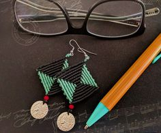 Diamond shape earrings, rhombus macrame earrings with coin detail, black and mint colors
