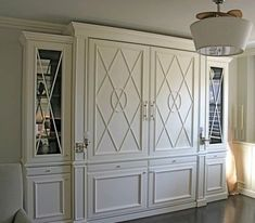 Murphy Bed: I'd like this in my living room. It's nice to see a Murphy bed with a good closed up look