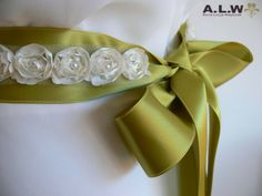 Gürtel für die Braut in Grün und Creme von alw-design auf DaWanda.com