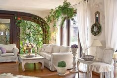 Cu mobilă și obiecte vechi transformate a creat un decor de vis
