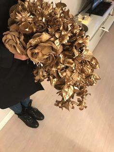 Golden wedding Bouquet #gold #wedding #flowers #weddingbouquetgold  #bouquet