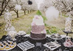 20 Amazing Wedding Cakes Perfect for Your Big Day - MODwedding