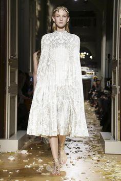 Valentino Couture Spring Summer 2016 Paris - NOWFASHION