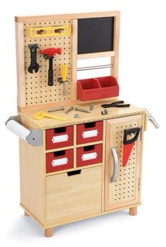 I think this set up is a excellent way for children to discover what each tool does and how it can aid in building.